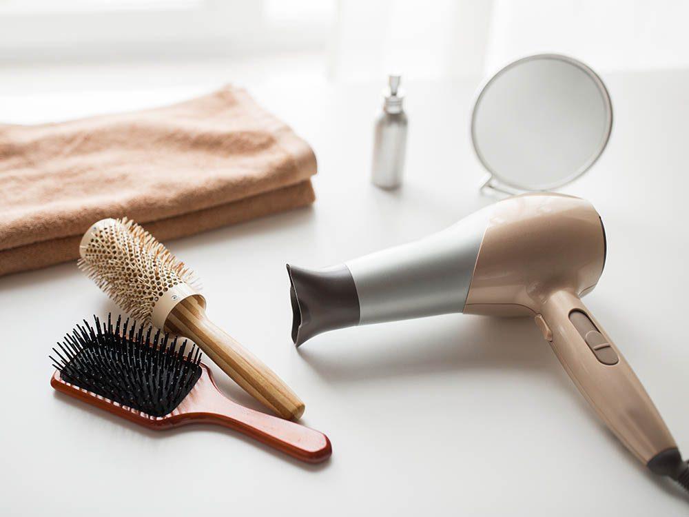 Vos cheveux ont besoin d'un sèche-cheveux de bonne qualité.