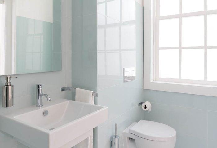 Le Coca Cola peut être utilisé pour laver la cuvette des toilettes.