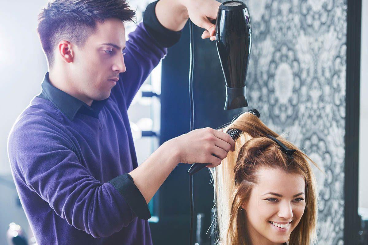 Le coiffeur n'est pas un magicien.