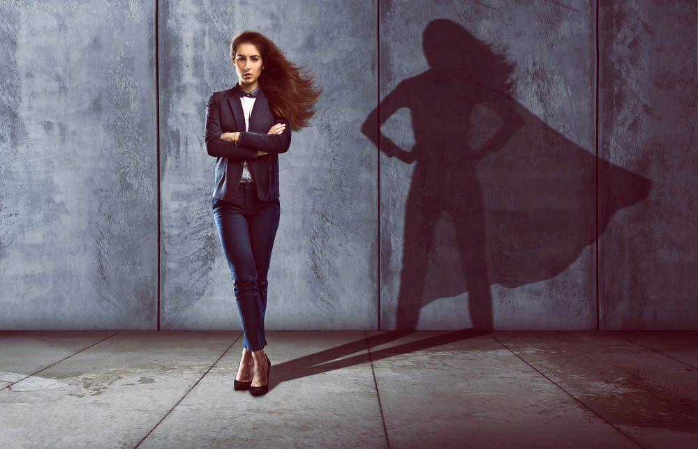 Pour avoir confiance en vous, adopter la posture de Wonder Woman.