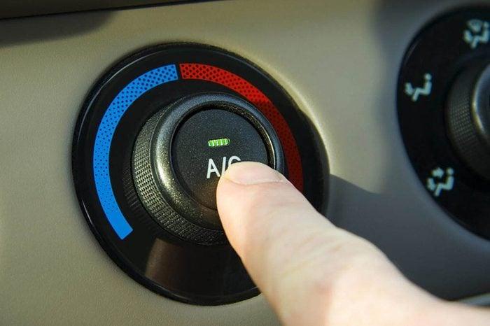 Conseils automobile : faites fonctionner la climatisation même en hiver.