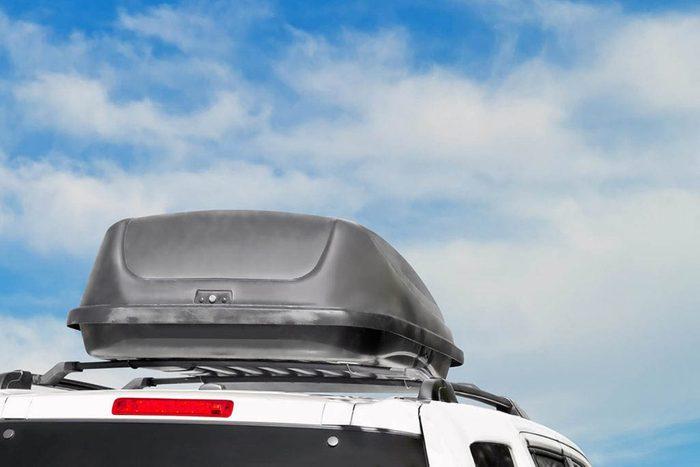 Conseils automobile : ne chargez pas trop votre voiture.