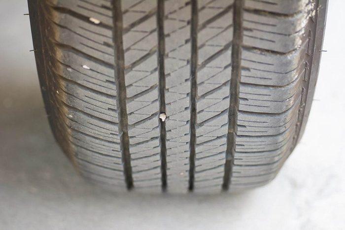 Conseils automobile : prenez garde à l'usure inégale de vos pneus.