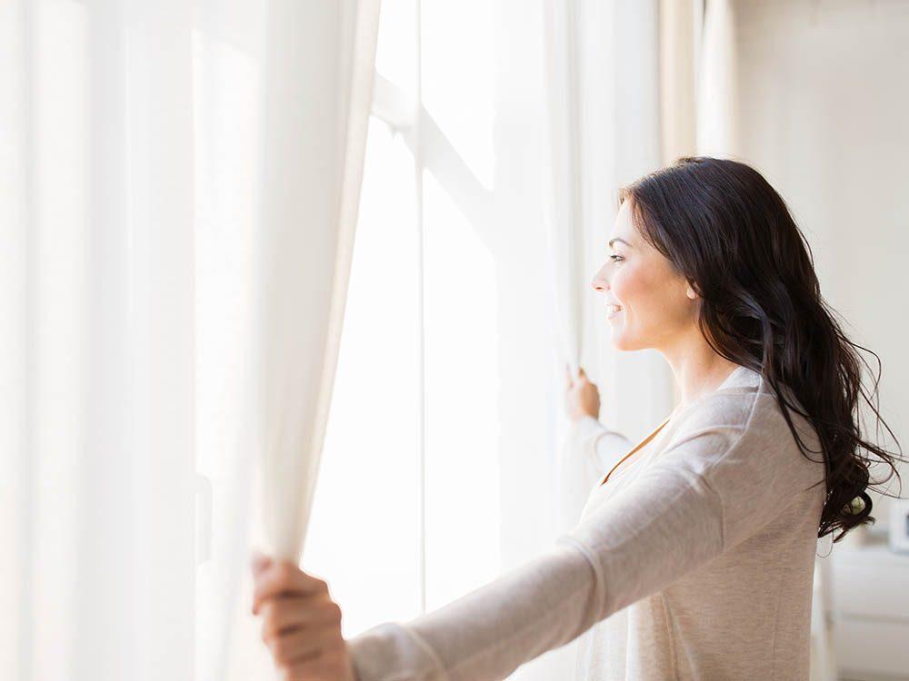 Prévenez la déprime saisonnière en profitant de la lumière naturelle.