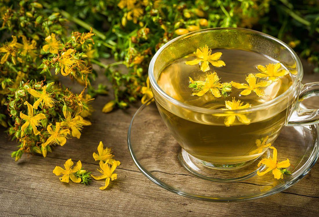 Déprime saisonnière : le millerpertuis est un remède naturel contre la dépression légère.