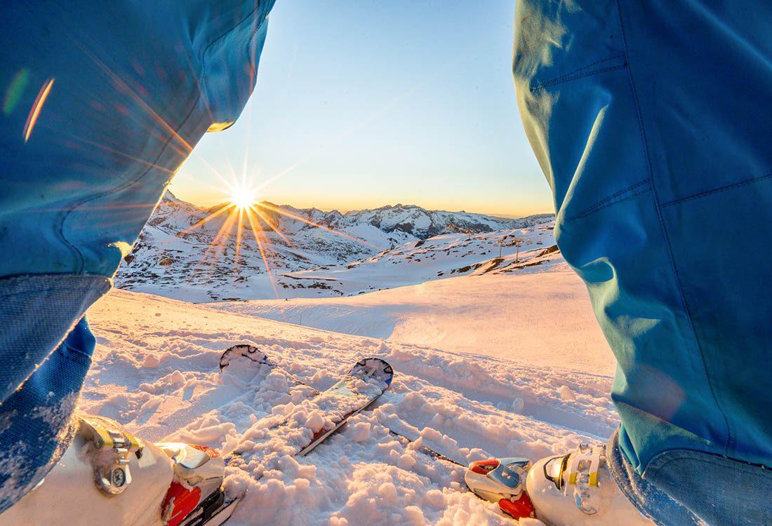 Traitez la déprime saisonnière en pratiquant des sports d'hiver.