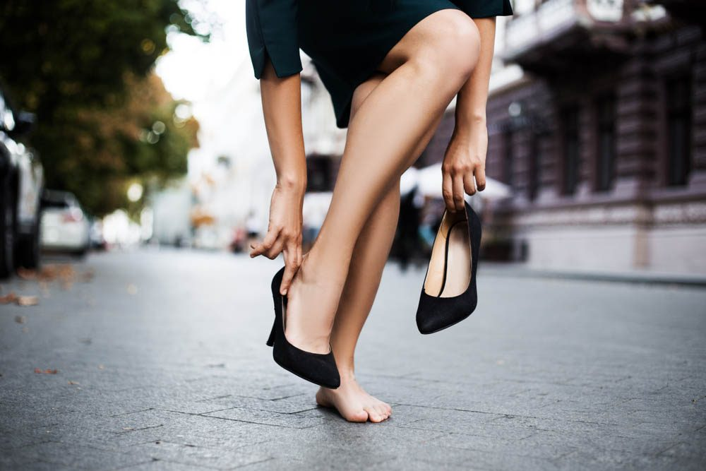 Une douleur aux pieds peut être due à la façon dont vous couper vos ongles d'orteils.