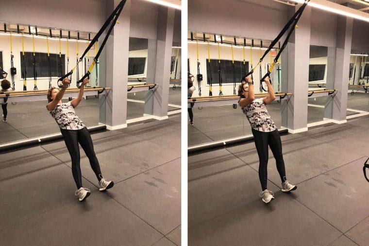 Exercices TRX : la flexion des biceps.