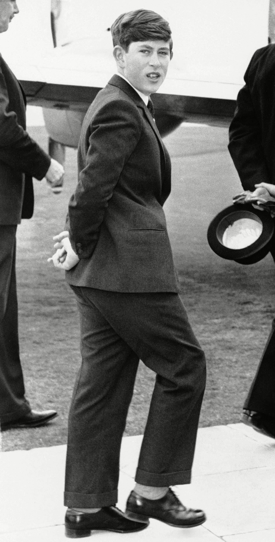 Famille royale : photo du prince Charles en route vers Gordonstoun.