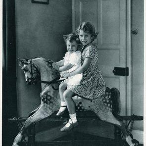 Famille royale : photo de la future reine à cheval.