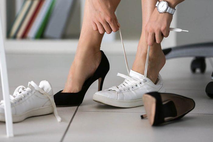 Heure de pointe : portez des chaussures confortables.
