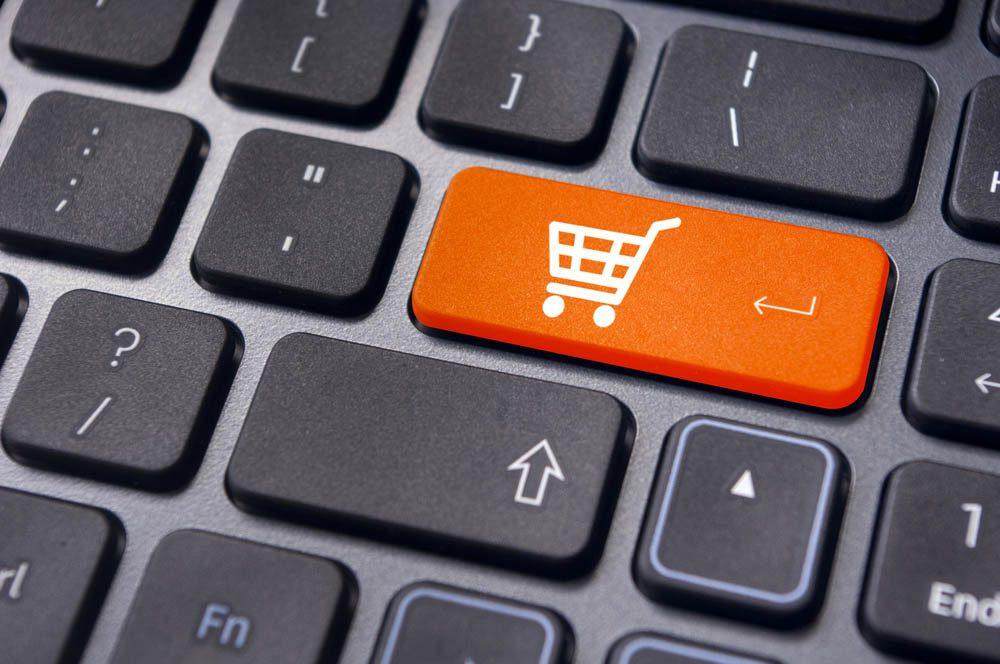 Magasiner en ligne : faites deux choses à la fois!