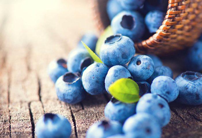 Pour maigrir avant les fêtes, mangez des bleuets.