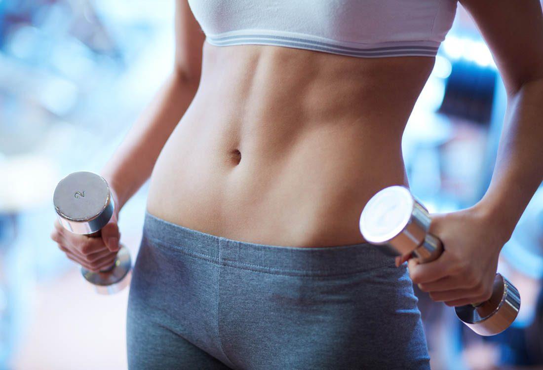 Pour maigrir avant les fêtes, faites des exercices de musculation.