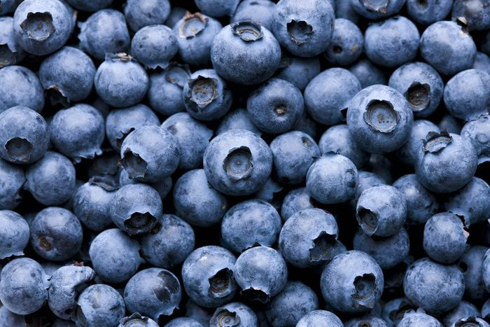 Manger cru des bleuets vous permet de bénéficier de toutes leurs vertus.