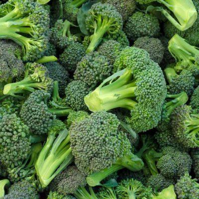 Manger cru du brocoli apporte plus de bienfaits que si vous le mangiez cuit.