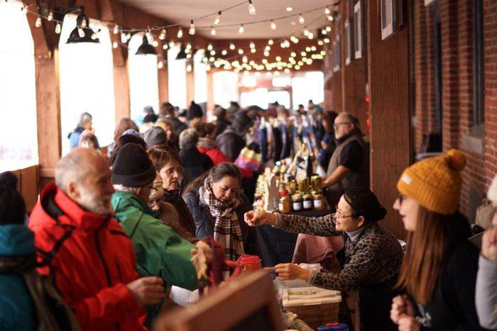 Marchés de Noël à visiter : marché de Lévis.