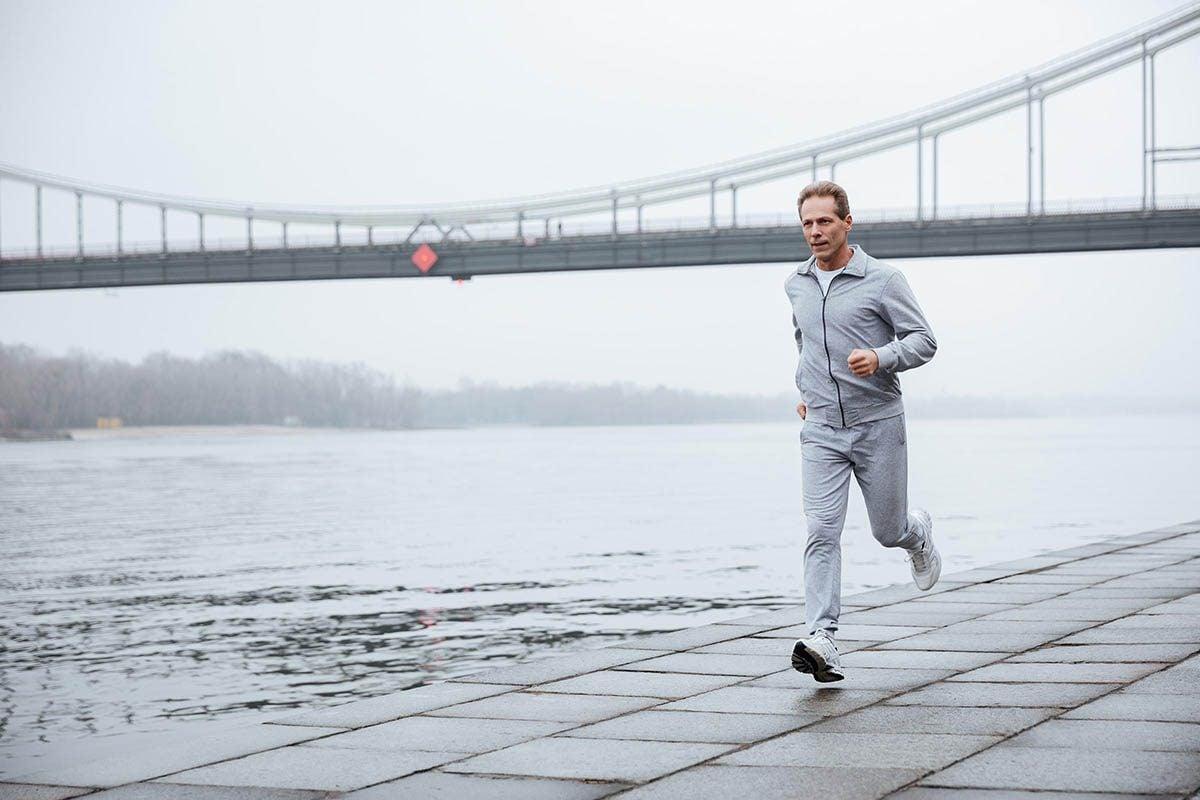 Mise en forme après 50 ans : courir est une activité formidable pour la santé cardiovasculaire.