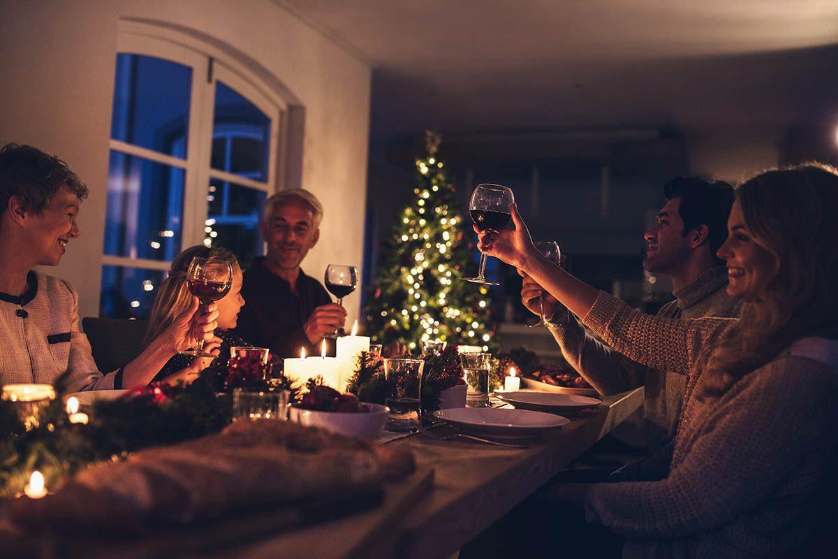 Pour un Noël zéro déchet, recevez avec des produits bio et locaux.