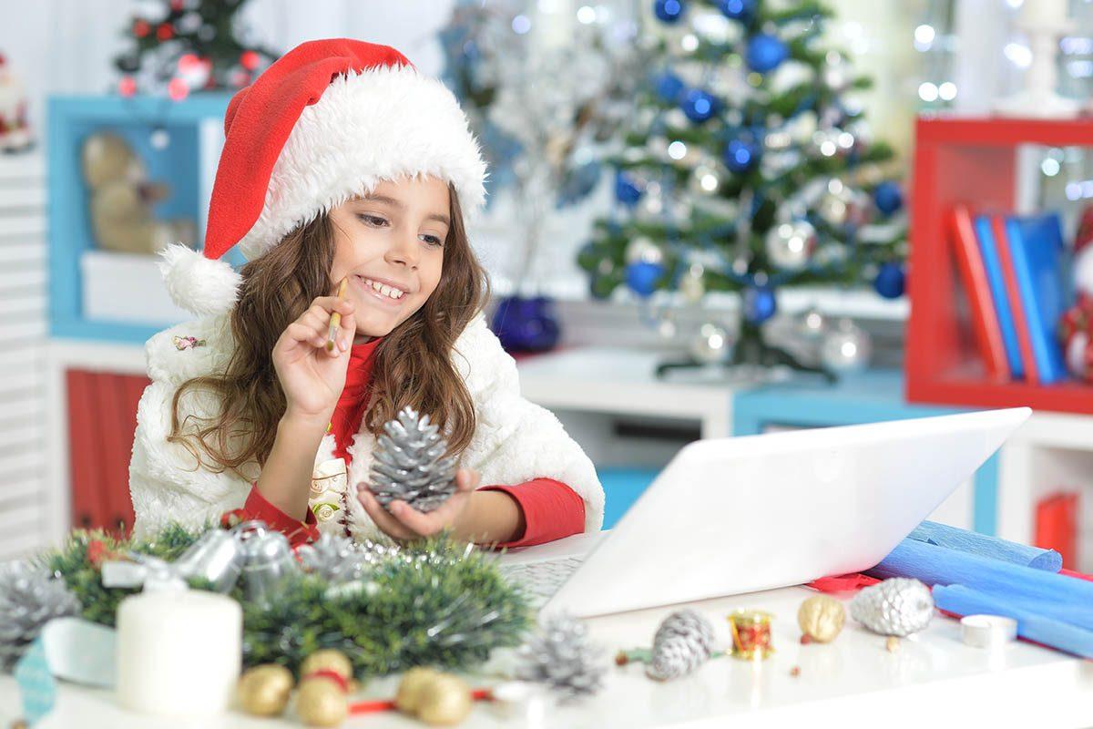Pour un Noël zéro déchet, envoyez des cartes virtuelles.