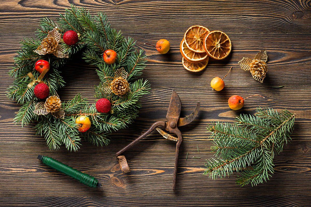 Pour un Noël zéro déchet, utilisez des décorations naturelles.