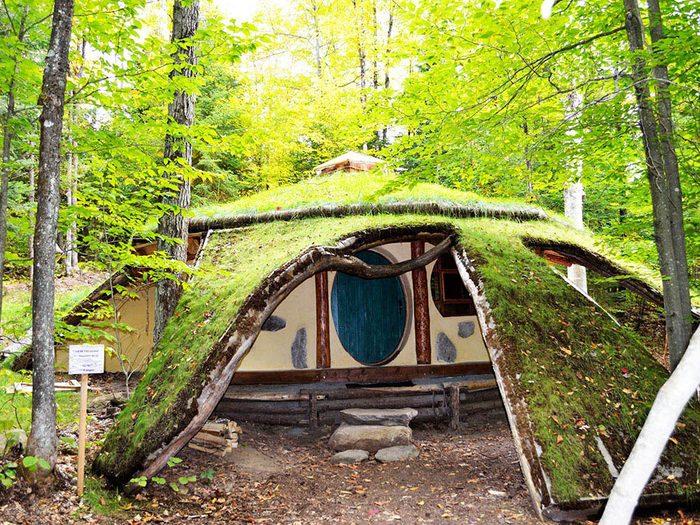 Passez une nuit au Québec dans une maison de hobbit.
