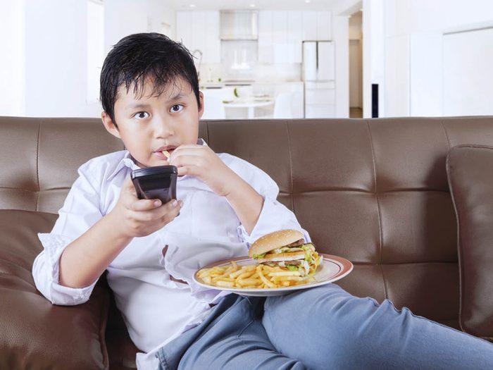 L'obésité est notamment due à la sédentarité.