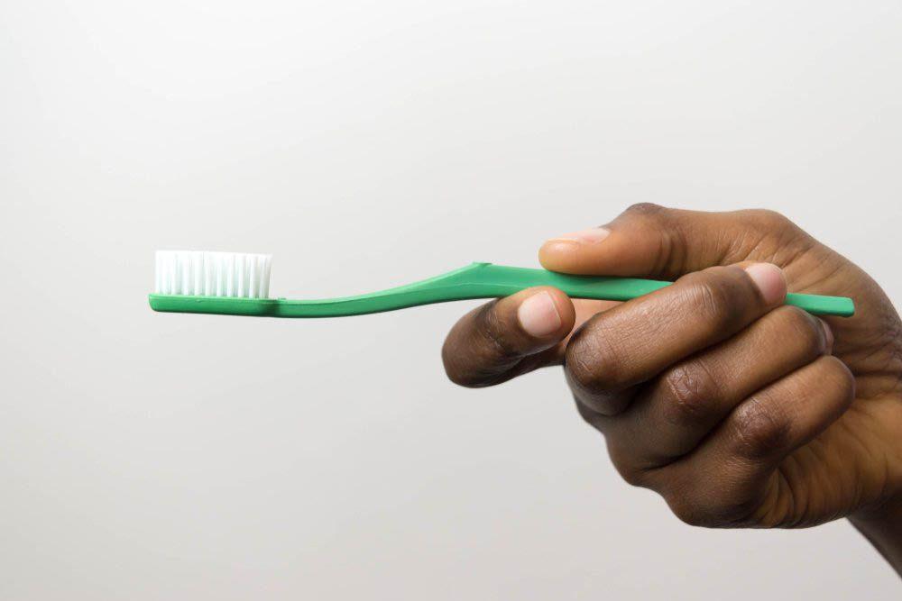 Objet du quotidien mal utilisé : la brosse à dents.