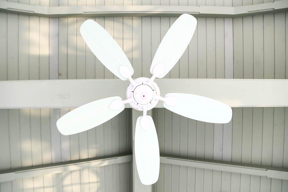 Objet du quotidien mal utilisé : le ventilateur de plafond.