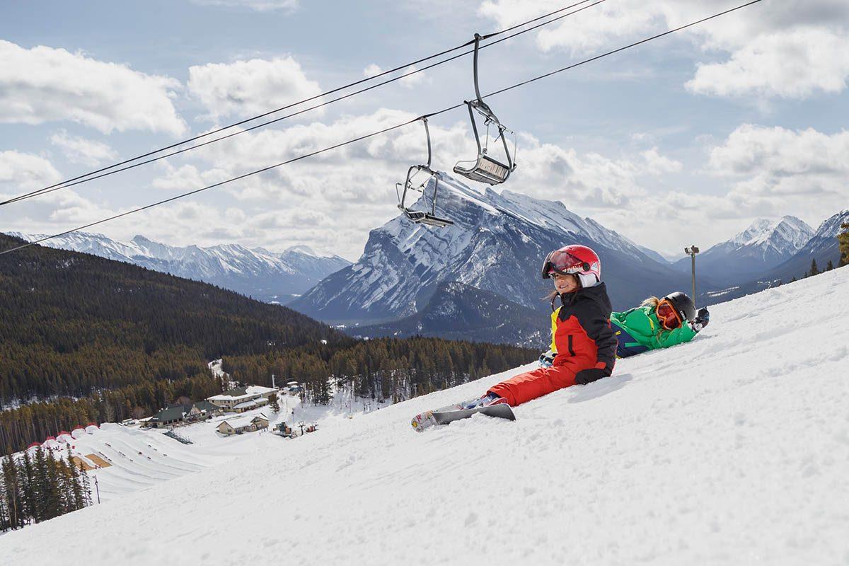 Le parc national de Banff est une destination de choix pour les skieurs débutants.