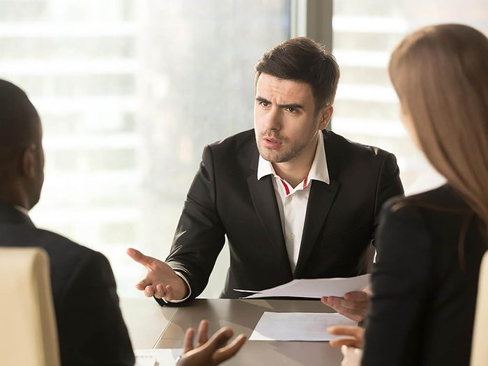 Un patron peut travailler avec tout le monde.