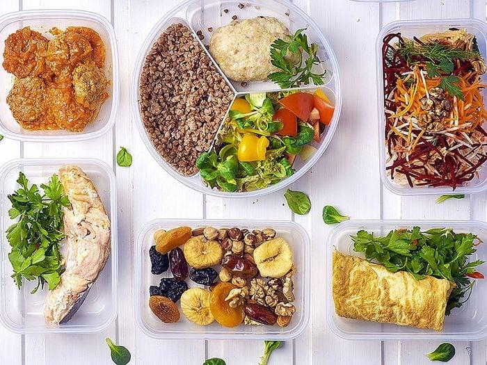 Sauter des repas est inutile pour perdre du poids.