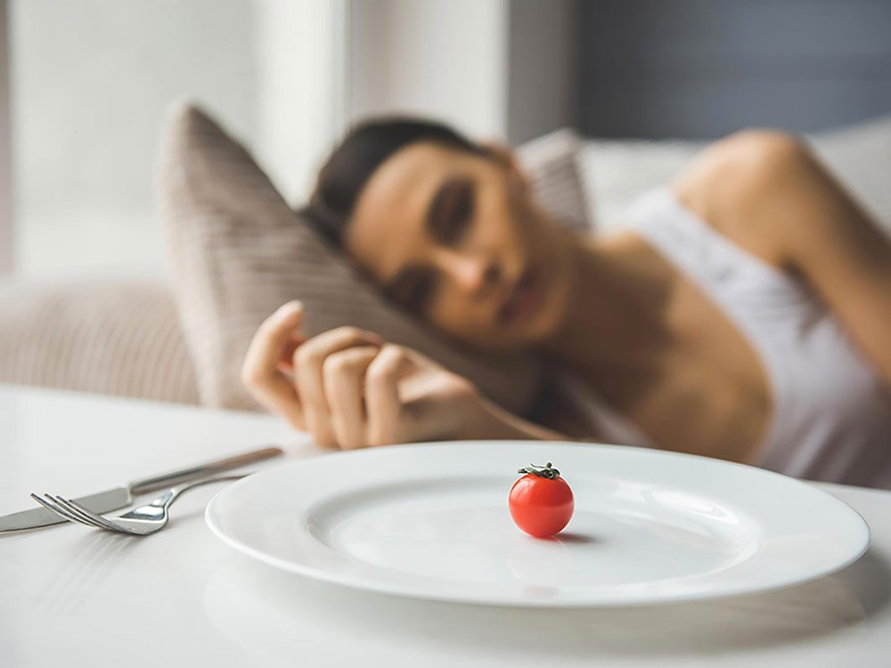 S'affamer ne permet pas de perdre du poids.
