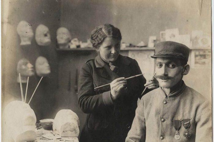 Depuis la Première Guerre mondiale, la chirurgie plastique existe.