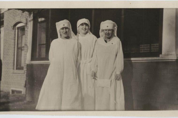 La Première Guerre mondiale a créé les premières serviettes hygiéniques.