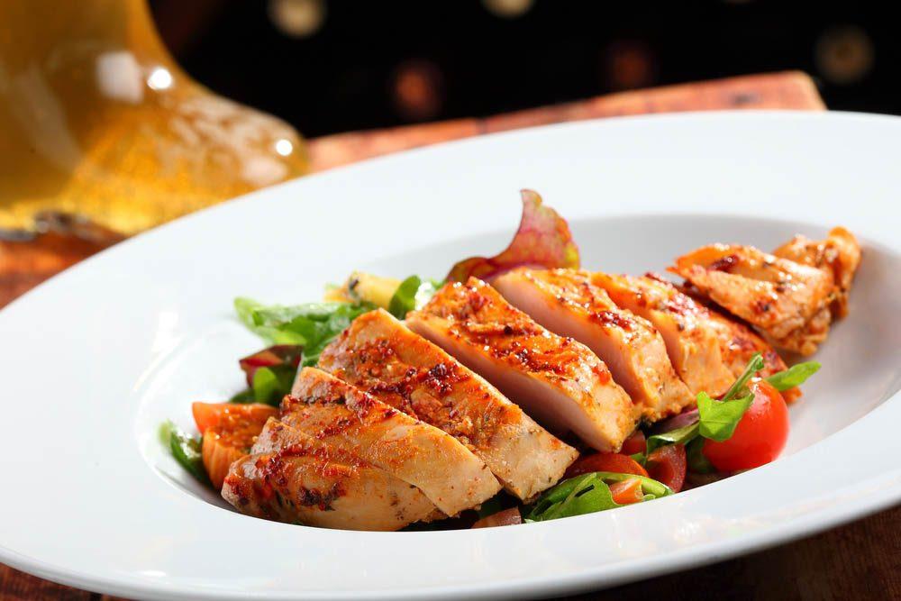 Pour prévenir le cancer, mangez moins de protéines animales.