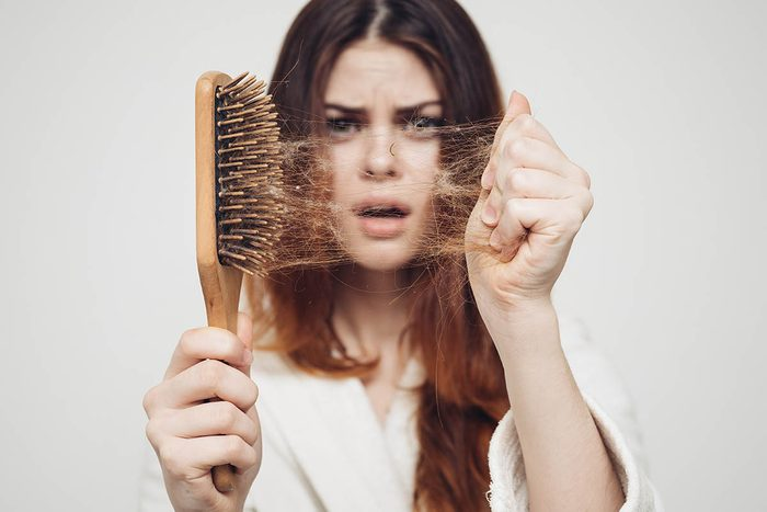 Un problème de thyroïde entraine une perte de cheveux.