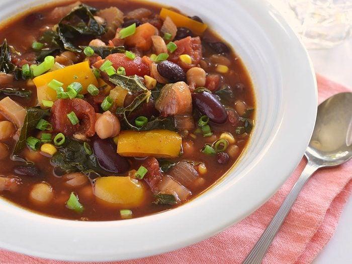 Recette de kale : préparez-le en chili.