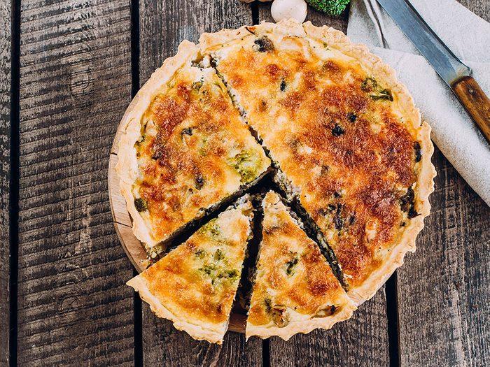 Recette de kale : dégustez cette quiche pour le brunch.