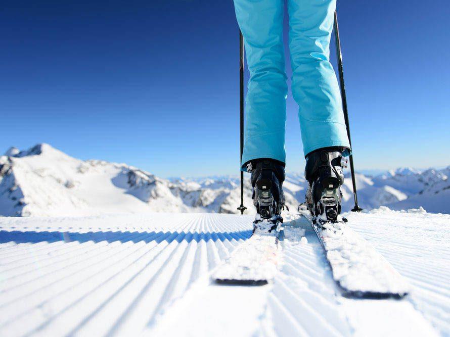 Le ski vous aide à brûler des calories.