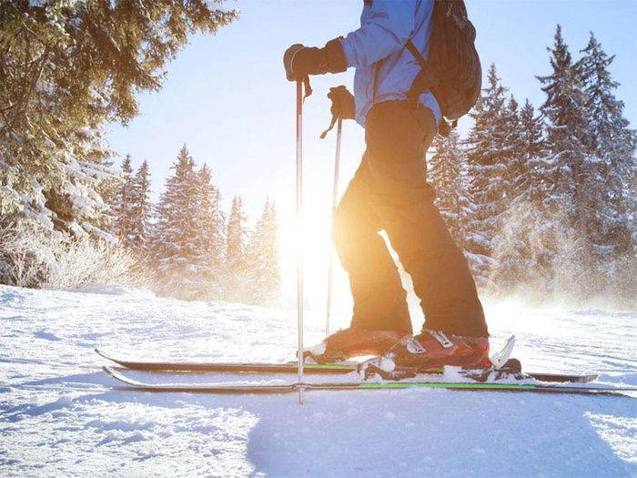 Faire du ski cet hiver fera du bien à votre cœur et à votre tonus musculaire.