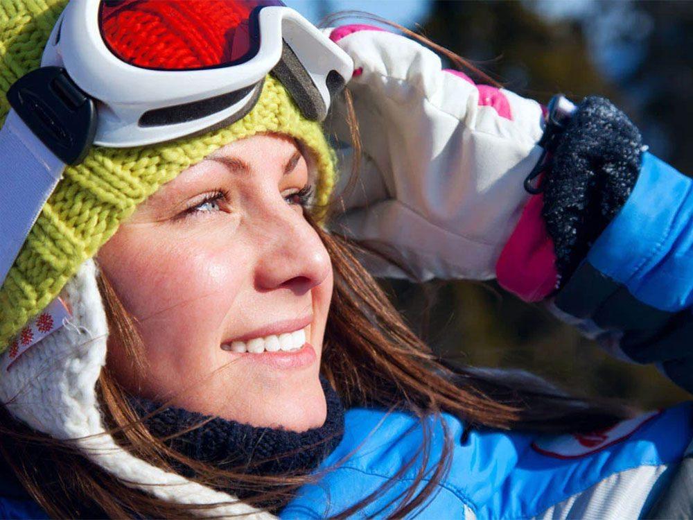Faire du ski cet hiver vous aidera à combattre la déprime hivernale.