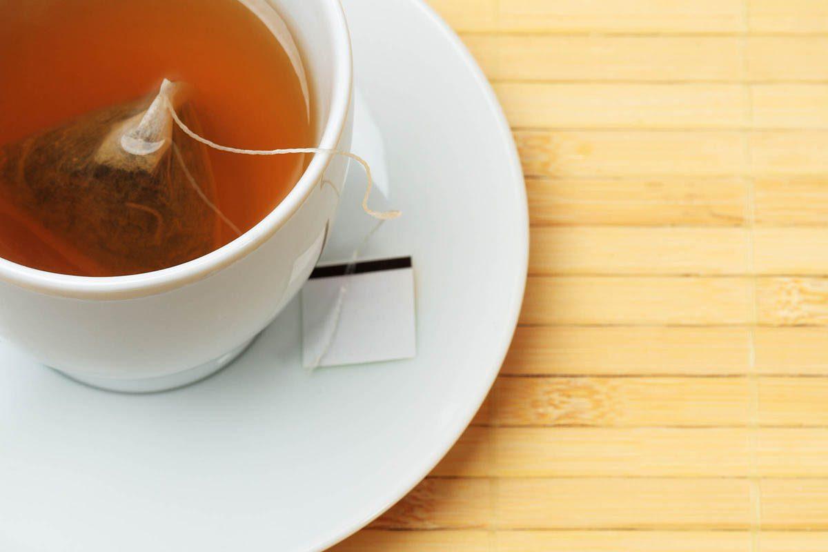 Pour soigner les hémorroïdes, appliquez un sachet de thé.