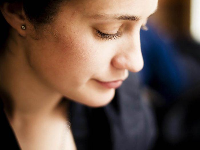 Symptôme de stress : vous vous laissez entraîner par vos émotions.