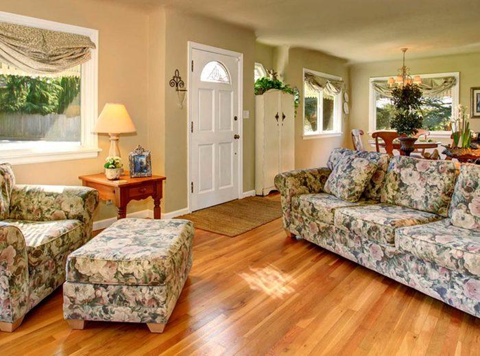 Votre maison vous fait vieillir si votre mobilier est recouvert de tissu floral.