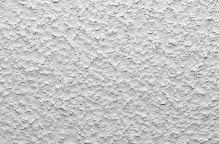 Votre maison vous fait vieillir si votre plafond est texturé.