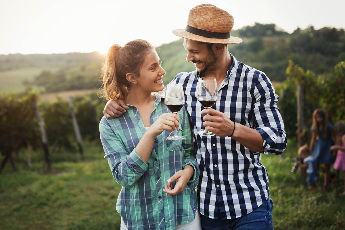 Activités couple : participez à une dégustation.
