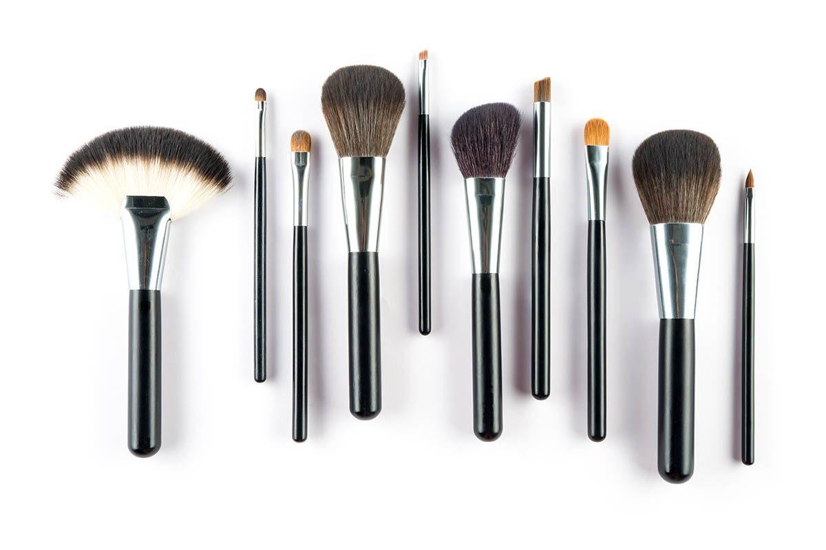 Idée de cadeau : un ensemble de pinceaux à maquillage