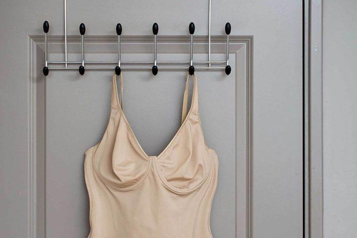 Cadeaux à éviter : des vêtements de maintien.
