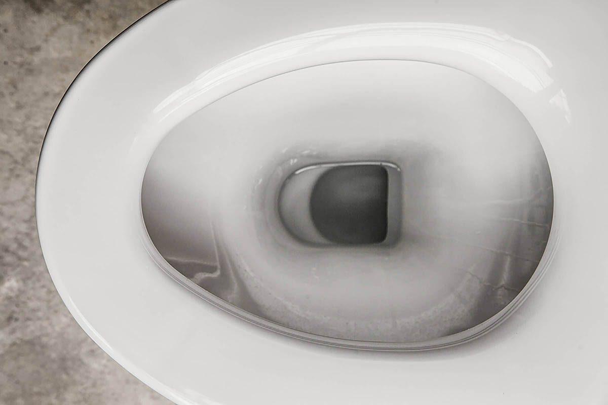 Réaction du corps le matin : vos urines sont foncées.